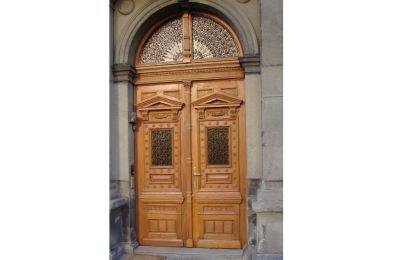 Drzwi zewnętrzne w Parafii p.w. Marii Magdaleny w Cieszynie