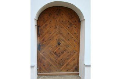 Drzwi zabytkowe zewnętrzne w kościele p.w. Opatrzności Bożej w Ligocie II