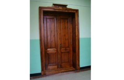 Drzwi wewnętrzne w Szkole Podstawowej nr 2 w Czechowicach-Dziedzicach