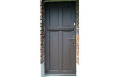 Renowacja drzwi w domu prywatnym