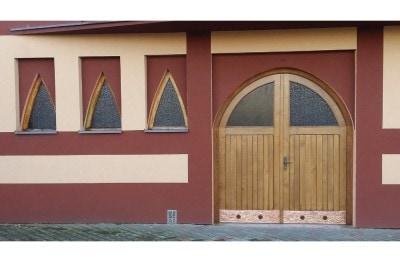 Renowacja drzwi i okien w kościele św. Barbary w Czechowicach-Dziedzicach