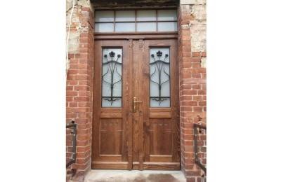 Nowe drzwi na wzór zabytkowych w Parafii w Nowej Rudzie